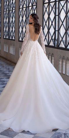 Pronovias Wedding Dress, Couture Wedding Gowns, Stunning Wedding Dresses, Princess Wedding Dresses, Wedding Bridesmaid Dresses, Dream Wedding Dresses, Bridal Dresses, Long Sleeve Wedding, Wedding Dress Sleeves