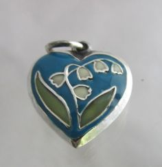 Vintage-Sterling-Silver-Enamel-Lily-of-The-Valley-Flowers-Puffy-Heart-Charm