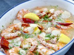 Schampi Norwegian Cuisine, Norwegian Food, Norwegian Recipes, Scandinavian Food, Scampi, Pasta Salad, Thai Red Curry, Potato Salad, Tapas