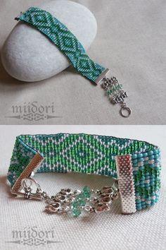 turquoise beadloom bracelet Bead Loom Patterns, Beading Patterns, Beaded Jewelry, Beaded Bracelets, Loom Beading, Beadwork, Turquoise, Dreams, Bangle Bracelets