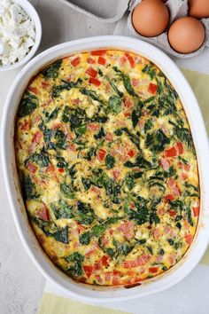 This Greek Omelette Casserole is not only quick and easy to prepare but it's full of fresh veggies and flavours making it a great make-ahead breakfast idea. Plus, it is a well-balanced… Omelettes, Quiches, Brunch Recipes, Breakfast Recipes, Paleo Breakfast, Asian Recipes, Healthy Recipes, Omelette Recipe, Vegetarian Recipes