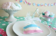 cake it easy: שולחן פסח ומרנג במיקרוגל