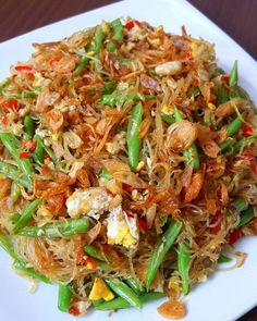 Food N, Food And Drink, Vegetable Recipes, Chicken Recipes, Indonesian Cuisine, Japchae, Easy Meals, Menu, Cooking Recipes