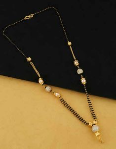 Provids large variety of gold ornament stock, conventional Good Ornament for Women. Pearl Necklace Designs, Beaded Jewelry Designs, Gold Earrings Designs, Gold Chain Design, Gold Bangles Design, Gold Jewellery Design, Gold Mangalsutra Designs, Gold Jewelry Simple, Gold Shower