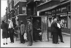 Newsstand, Chicago 1941; Library of Congress FSA/OWI collection