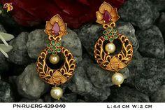 Gold Jhumka Earrings, Gold Bridal Earrings, Gold Earrings Designs, Gold Jewellery Design, Gold Jewelry, Jewelery, Drop Earrings, Designer Earrings, Indian Jewelry