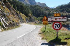 La D902 « Tous droits d'exploitation réservés - Conseil général de la Savoie » www.cg73.fr »
