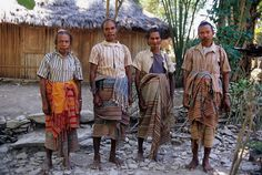 Four elders of the Kingdom of Boti (West Timor, Indonesia) pose wearing traditionally woven ikat skirts. Banda Aceh, Komodo Dragon, Borobudur, Dutch Colonial, Old Town, Ikat, Textiles, Culture, Poses