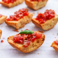 Bruschetta Recept, Ciabatta, Nom Nom, Bbq, Ethnic Recipes, Food, Desserts, Roma Tomatoes, Barbecue