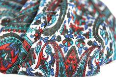 a171a33667a6 L un des plus beaux modèles de cette nouvelle collection de foulards carrés  en pure
