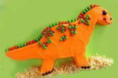 Dinosaur Cake   @Lindsay Dillon Hoyt...thinking indie needs a dinosaur birthday!!!  that boy loves them sooooooo much!!!