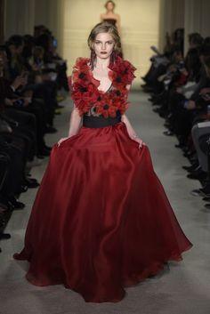 Marchesa RTW Fall 2015 - Slideshow - Runway, Fashion Week, Fashion Shows, Reviews and Fashion Images - WWD.com