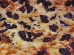 A biltong pizza, need we say more? South African Recipes, Ethnic Recipes, Pizza Recipes, Cooking Recipes, Carb Replacement, Biltong, Grass Fed Beef, Specialty Foods