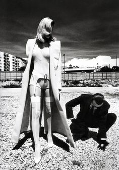 "#SCS #HairBy Helmut Newton.....L '""ENVIRONMENT AND SPACE"" damage Emotion and ""LIFE"" ...."