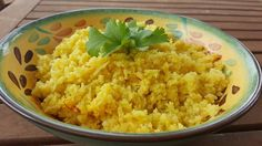 Saffron Cauliflower Rice Low Calorie Recipes, Cauliflower Rice, Grains, Spices, Healthy Eating, Vegetables, Food, Eating Healthy, Healthy Nutrition