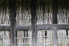 Stryd-Lydan-Barn-St Fagans-chestnut-woven-lath-welsh-vernacular
