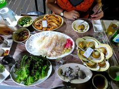 Seafood Feast in South Korea  http://www.adventureliesinfront.com/my-food-adventures-in-south-korea-what-to-eat-and-where-to-eat-it/