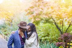 Couples Photo Shoot London Autumn.  #engagementshoot #autumnengagement #fallengagementideas #londonengagementphotos