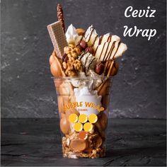 Bubble Wrap İstanbul Ceviz wrap Yummy Snacks, Snack Recipes, Dessert Recipes, Yummy Food, Food Platters, Food Dishes, Waffle Restaurant, Kreative Desserts, Bubble Waffle