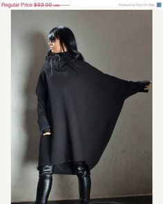 Extravagant Hoodie with Extra Long Sleeves, Asymmetric Plus Size Tunic, Black Loose Tunic Hoodie, Motherhood Maternity Jacket, Comfy Blouse Plus Size plus size hoodies Modelo Emily, Maternity Jacket, Maternity Clothing, Hip Hop, Plus Size Hoodies, Baggy Tops, Hippie Tops, Poncho Tops, Plus Size Pregnancy