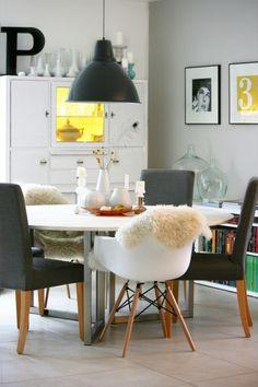 Essplatz im Oktober, Tags Esszimmer, Eames