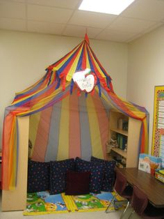 We love this tent-style reading corner! Who wouldn't want to read in there #PGCE #teachers #teachintheuk