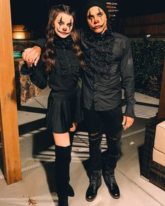 Scary Couples Costumes, Couples Halloween Outfits, Scary Couples Halloween Costumes, Funny Couple Halloween Costumes, Creative Couple Costumes, Costume Halloween, Looks Halloween, Trendy Halloween, Halloween Disfraces
