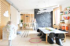 You can draw on the walls at this coffee shop designed for children