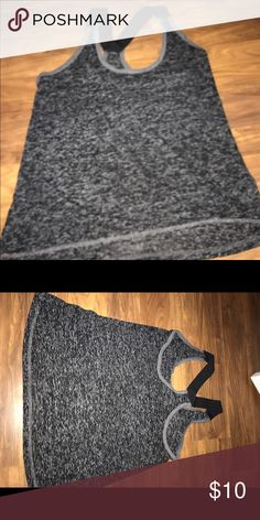 Old Navy Active gym tank size XS XS Active Gym tank great condition!! Old Navy Tops Tank Tops