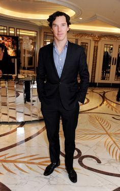 Benedict Cumberbatch arrives at the 2013 South Bank Sky Arts Awards at The Dorchester on March 12, 2013 in London, England.. (the hair, the haiiiir!!)