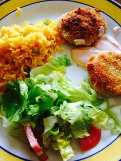 tuna/ albondigas de atun Salmon Burgers, My Recipes, Foods, Meat, Chicken, Ethnic Recipes, Recipes, Food Food, Beef