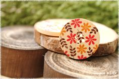 Autumn in DaWanda 2pcs+Autumn+Leaf+Wooden+Button+from+Simple。Life+by+DaWanda.com