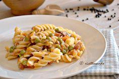 Pasta con ragu bianco di prosciutto e piselli. #ricetta di @luisellablog Presto, Ethnic Recipes, Food, Essen, Meals, Yemek, Eten