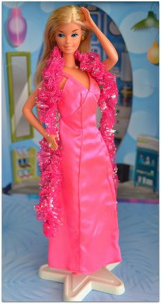 Barbie Superstar. Fu un regalo agognato e ancora la conservo insieme alle altre in qualche scatolone in garage.