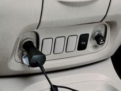 Kijang Innova New E Bensin & Diesel Interior 3