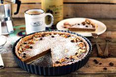 A piték változataiból Dunát lehetne rekeszteni, de ha valami irtó finomra és ütősre vágytok, akkor ezt a variációt is elkészítitek. Omlós tészta, puha krém! Mennyei! Tart Recipes, Dessert Recipes, Cooking Recipes, Hungarian Recipes, Hungarian Food, Confectionery, Vegan Desserts, Cake Cookies, Cravings