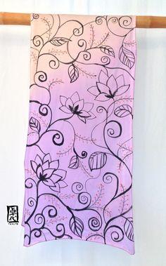 Silk Scarf Handpainted Purple Floral Scarf di SilkScarvesTakuyo