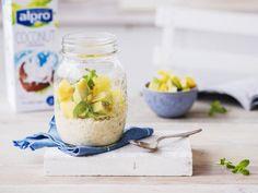 Vous allez adorer ce délicieux porridge réalisé à base de la boisson à la noix de coco Alpro