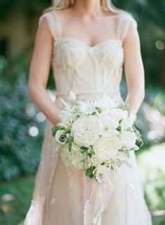 No other bouquet screams bride quite like a white bouquet, and best of all, it will match any wedding you envision! Mod Wedding, Wedding Bride, Dream Wedding, Boutonnieres, Little Black Dress Uk, White Wedding Bouquets, Wedding Dresses, Bridal Bouquets, Bridesmaid Dresses