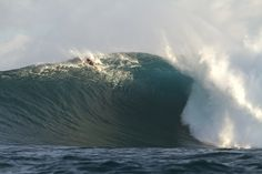 Friend of mine at Jaws via SURFER Magazine. I recognized the shorts!
