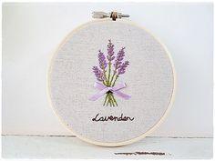 Hand embroidery in hoop Embroidery Wall por KawaiiSakuraHandmade