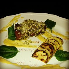 beef filet,courgettes,corn puree,basil,basil-corn crust
