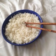 I could honestly eat rice for hours on We Heart It Think Food, I Love Food, Good Food, Yummy Food, In Loco, Always Hungry, Aesthetic Food, Cute Food, Food Cravings