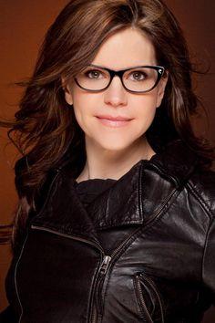 Lisa Loeb & Classique Eyewear have partnered to create the Lisa Loeb Eyewear Collection