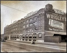 The Wrigley Factory, 3535 S Ashland, Chicago. My Friend, Pat, worked here in the Used to get fresh warm gum when I picked her up from work. South Side Chicago, Chicago Area, Chicago Illinois, Chicago City, Old Pictures, Old Photos, Chicago Pictures, Chicago School, Chicago Photography