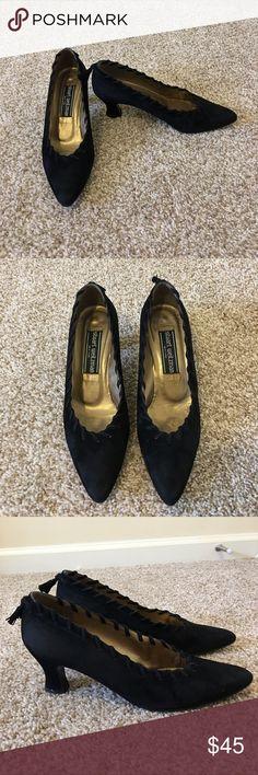 Stuart Weitzman Black Suede Detailed Pumps 7B Stuart Weitzman Black Suede Detailed Pumps 7B Stuart Weitzman Shoes Heels