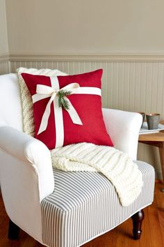 Christmas Pillows 85 DIY Homemade Christmas Gifts - Craft Ideas for Christmas Presents Saving For Yo Christmas Crafts For Gifts, Homemade Christmas Gifts, Christmas Home, Christmas Wreaths, Christmas Decorations, Cheap Christmas, Christmas Ideas, Handmade Christmas, Christmas Lights