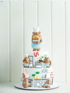 Cooking Up Something Bear-y Tasty! | Cottontail Cake Studio | Sugar Art & Pastries