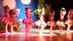 Primeira apresentação de ballet da Gaby - colégio