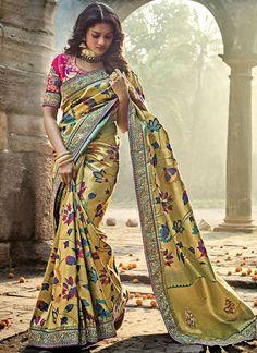 Buy Gold and Pink Color Pure Banarasi Silk wedding wear saree in UK, USA and Canada Banarsi Saree, Kanjivaram Sarees Silk, Ghagra Choli, Kanchipuram Saree, Saree Poses, Silk Sarees Online Shopping, Saree Photoshoot, Stylish Sarees, Elegant Saree